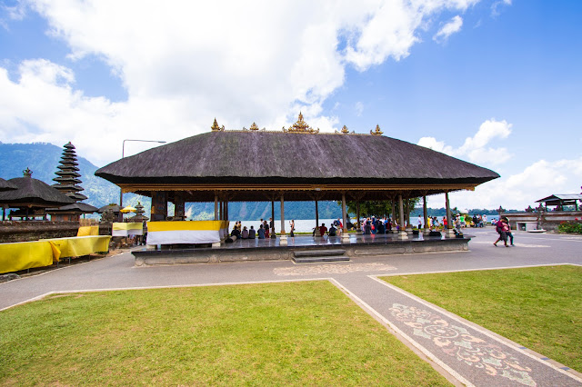 Lago e tempio Danau Bratan-Bali