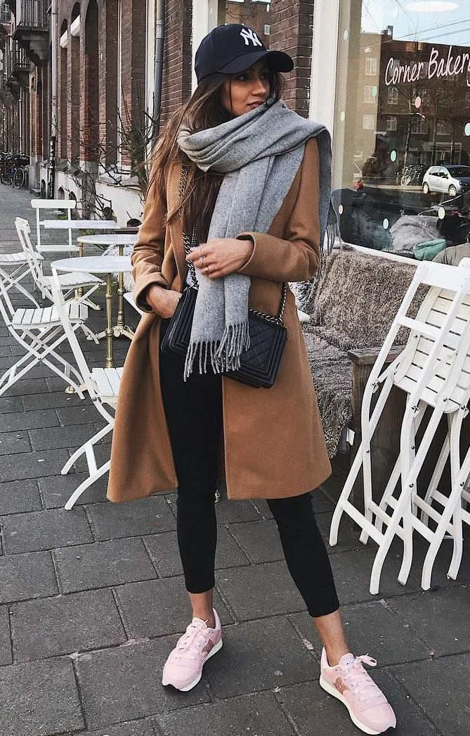 great winter outfit idea / hat + grey scarf + brown coat + bag + jeans + sneakers