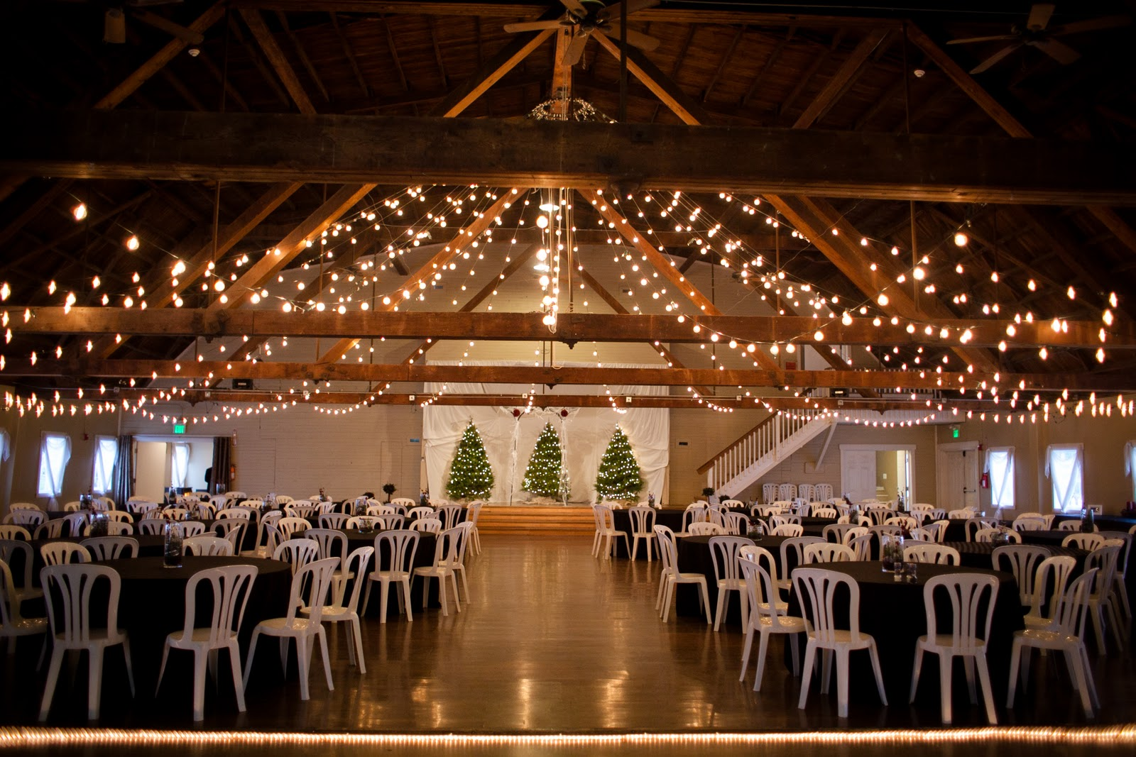 December Christmas Barn Wedding Independence Or Just 10min From M Oregon