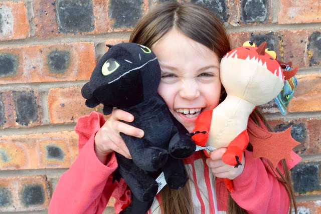 How to Train Your Dragon: The Hidden World  - Toothless and Hookfang plush toys