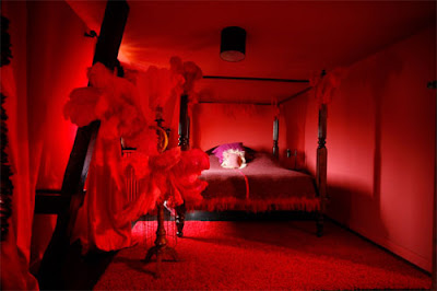 Comment faire de votre chambre un cadre romantique avec ce petit objet avenue romantique for Chambre romantique rouge