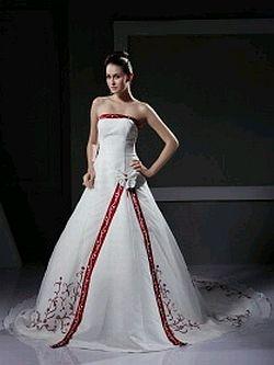 Vestidos de boda rojo y blanco