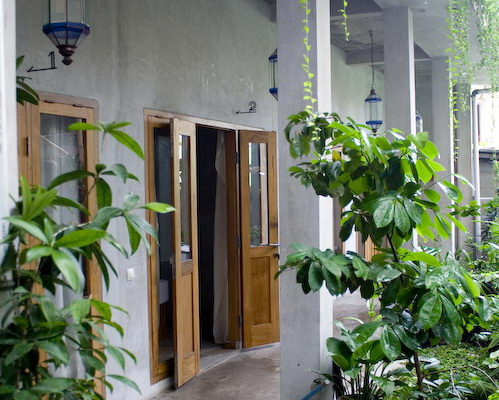 Tinuku.com Minimalist architecture and vintage décor in Pawon Cokelat Guest House Yogyakarta