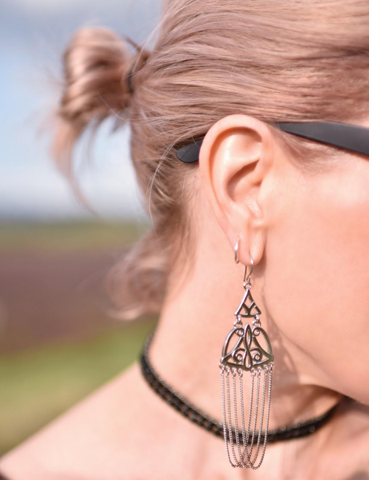 "Outfit inspiration c/o Monika Faulkner - chandelier earring, ""blogger bun"""