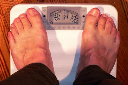 Begini Cara Menimbang Berat Badan Yang Benar