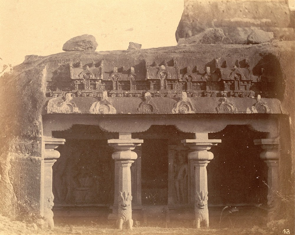 General view of the entrance to the Varaha Cave Temple, Mamallapuram, Tamil Nadu - c.1885