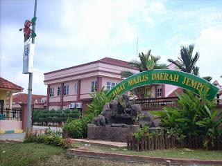 Gambar Pejabat Majlis Daerah Jempol