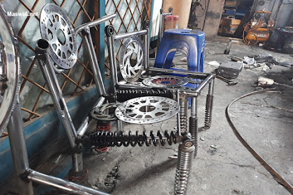 Bahan-Bahan Limbah Bengkel Motor Jadi Barang Bermanfaat