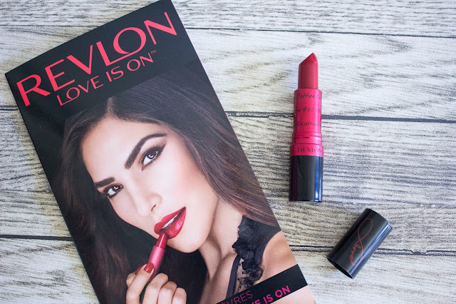 Love is On de Revlon