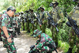 "Datasemen 81 Kopassus TNI AD ""Turun Gunung"" Buru Separatis KKSB/OPM di Papua"