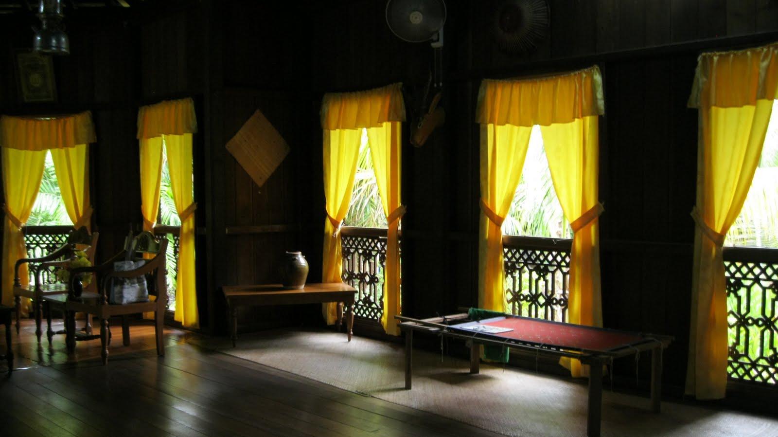 Ruang Tamu Rumah Tradisional Melayu Desainrumahid