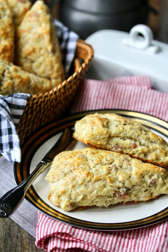Gruyère and Prosciutto Scones