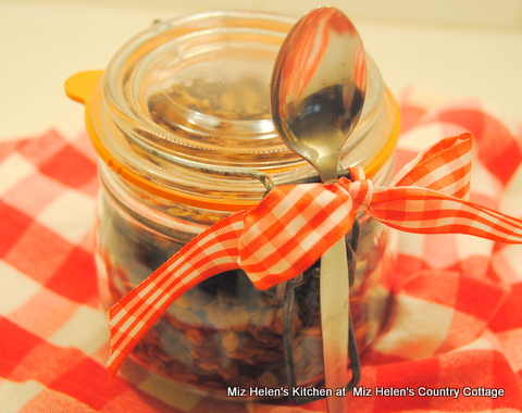 Spicy Cranberry Granola at Miz Helen's Country Cottage