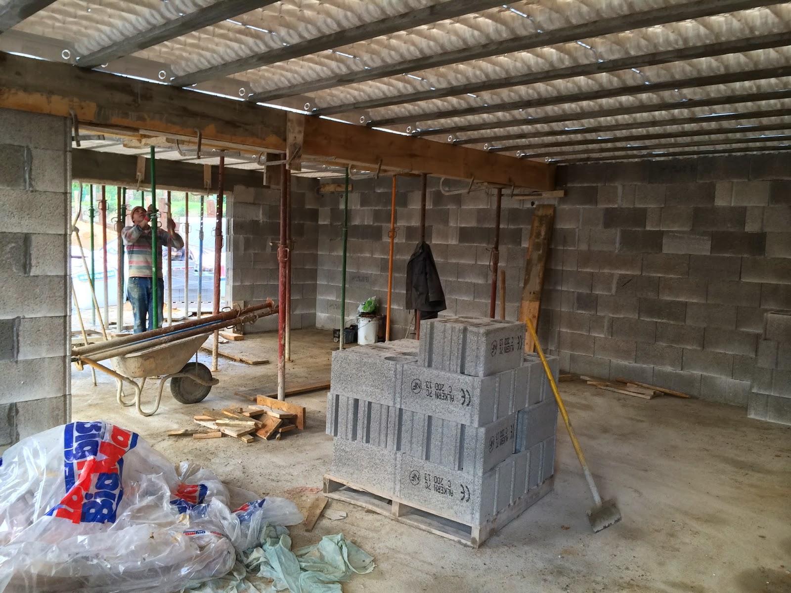 les guigniers dallage du toit plat du garage. Black Bedroom Furniture Sets. Home Design Ideas