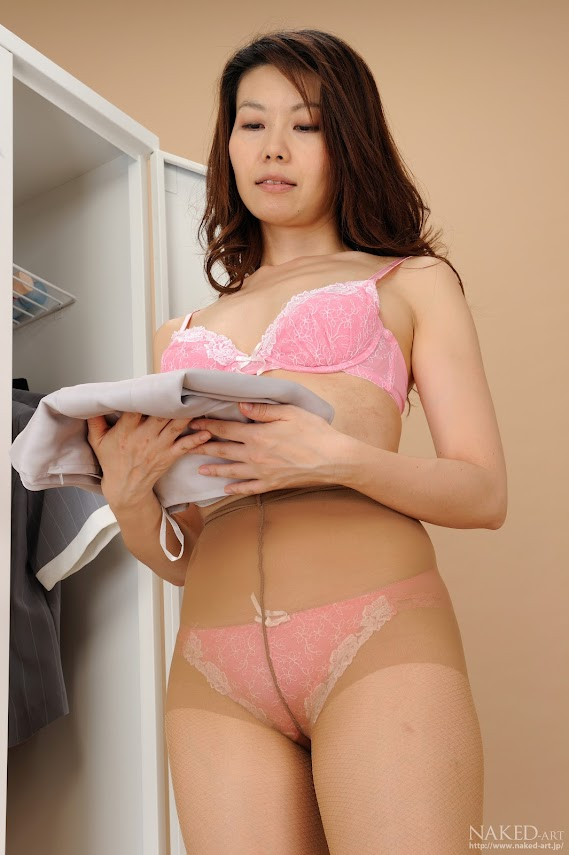 Naked-Art_094_Photo_No.00297_Ayano_Matsumoto.rar NakedArt-297