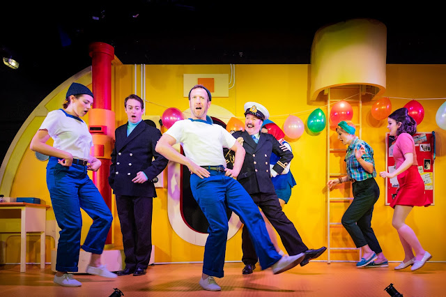 Gilbert & Sullivan: HMS Pinafore - Hannah Crerar, Matthew Palmer, Philip Lee, Joseph Shovelton, Jennie Jacobs, Alys Roberts. - Charles Court Opera (Photo Robert Workman)
