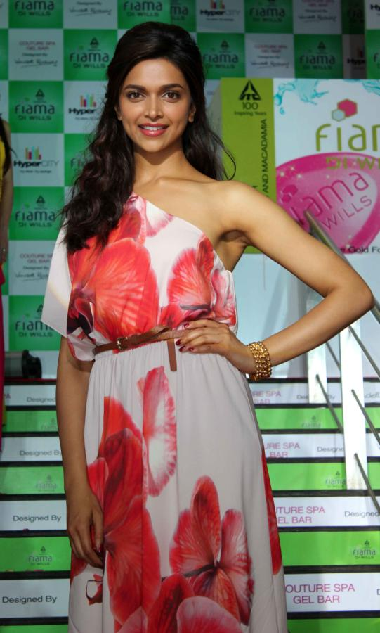 Deepika Padukone Hot Smiling Face Photos In Red Dress ...