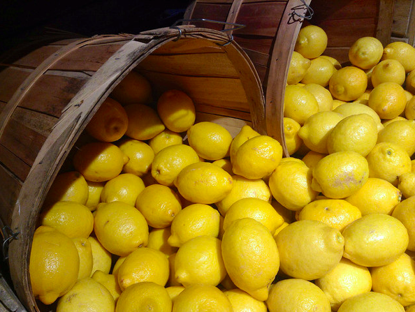 At the end of July, Massa Lubrense, a town near Sorrento, in Campania, hosts Sagra del Limone (Lemon Festival)