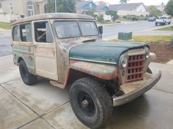 Old SUV, 1953 Willys Overland Wagon