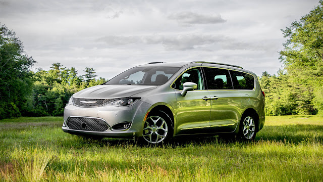 2017 New Chrysler Pacifica on review  front view