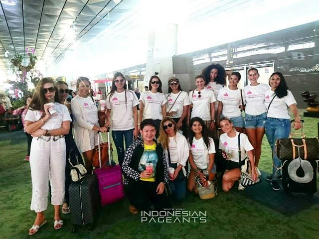 Miss Universe 2015 Bersantai di Kepulauan Seribu