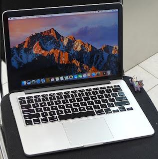 macbook pro retina core i5 13 inch 2012 bekas di malang