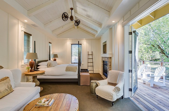 Mix And Chic A Chic And Charming Farmhouse Style Inn In