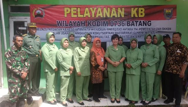 Ketua Persit KCK Cabang XXIV Kodim Batang Tinjau Langsung Pelayanan Dan Penyuluhan KB Gratis