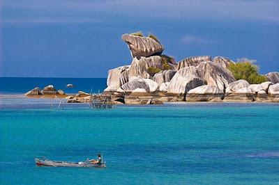 Pantai Tanjung Kelayang Luar biasa indahnya