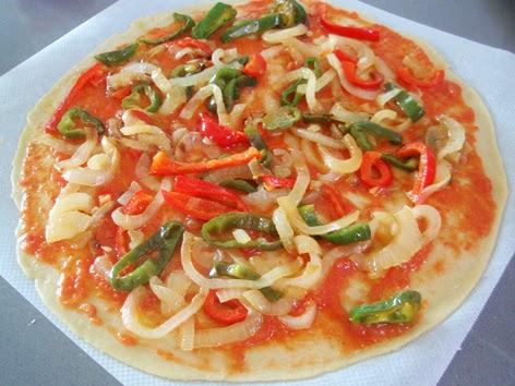 Elaboración de la pizza de bonito 2