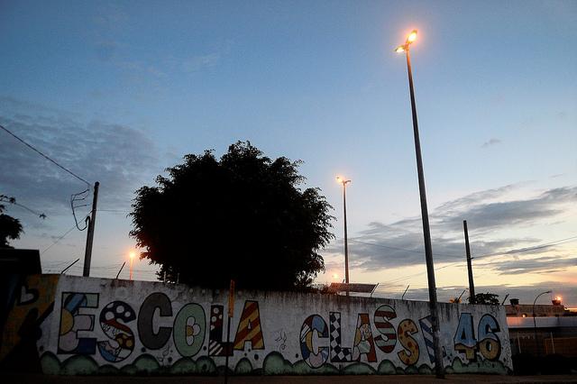 SOS DF ilumina ruas do Setor P Sul, em Ceilândia