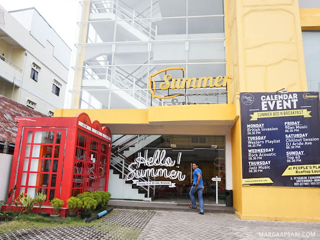 Bagian depan Summer Bed & Breakfast Hotel, Banjarmasin