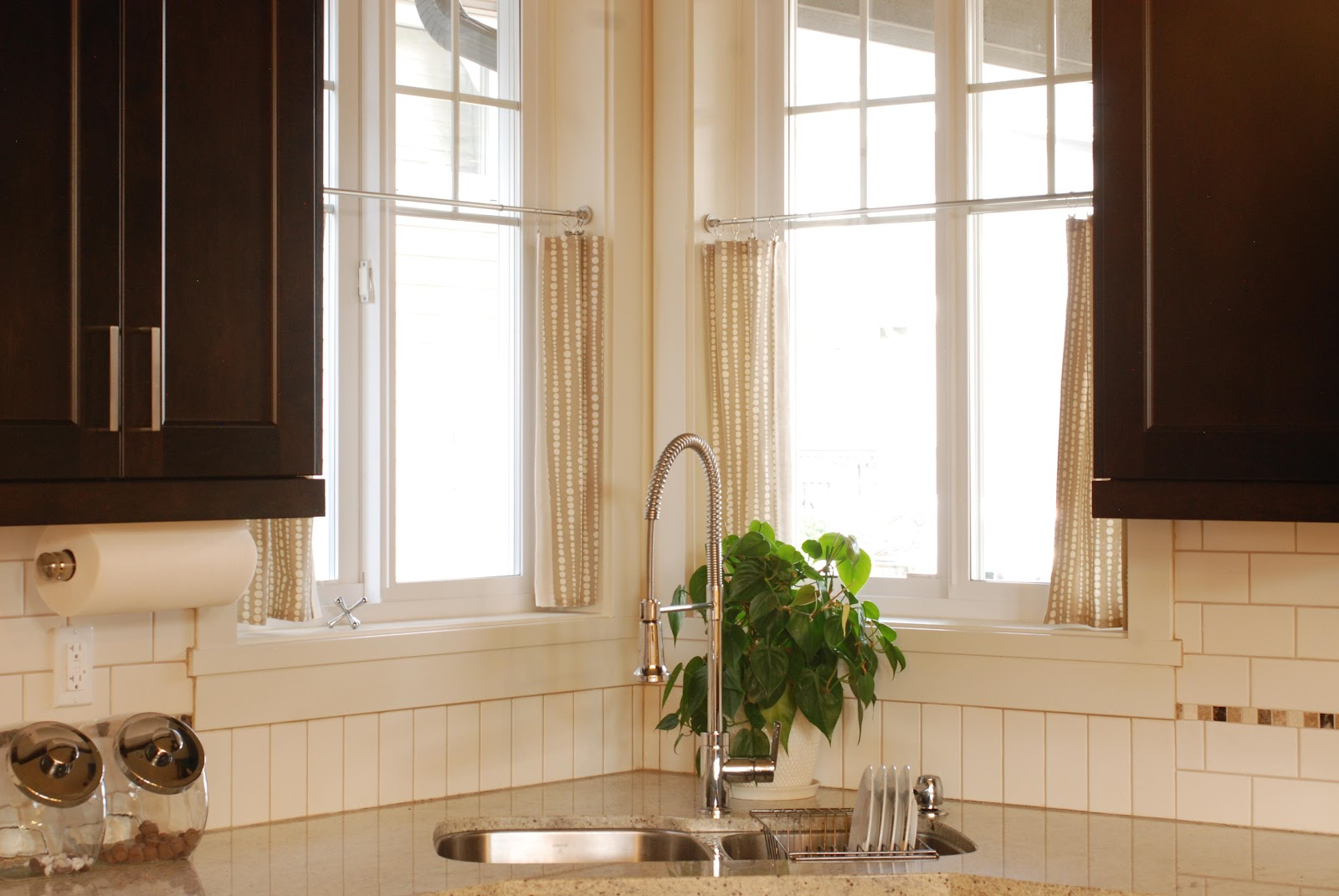 Cafe Curtains For Kitchen Hgtv Design In The