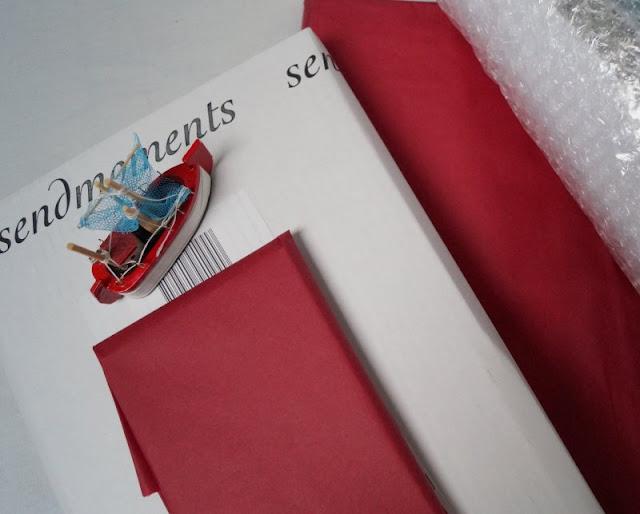 Warum Fotos die schönsten Geschenke sind (+ Verlosung). Unsere Bestellung bei sendmoments kam sicher verpackt und schnell bei uns an, so dass mir vor Weihnachten noch genug Zeit bleibt, die Präsente an meine Liebsten zu verpacken und zu verschicken.
