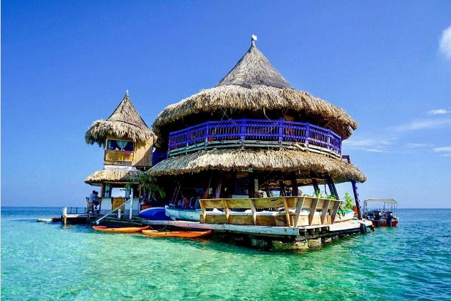 Casa en el Agua, Eco-Hostel in the Heart of the Caribbean Sea