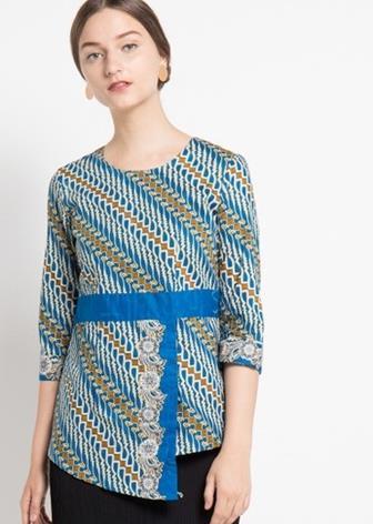 Model Blus Batik Kombinasi Polos
