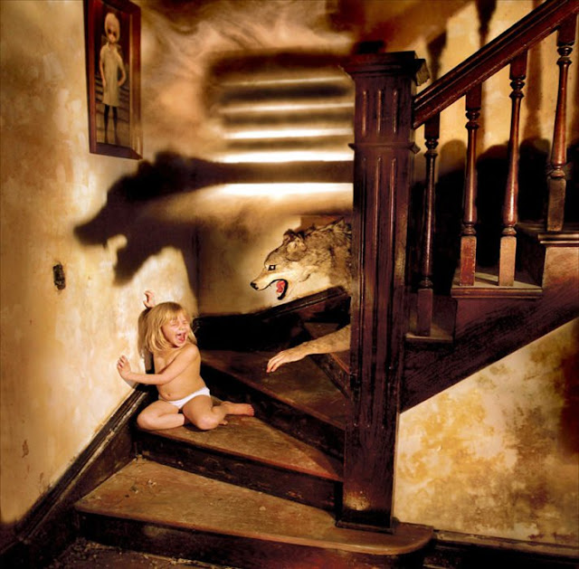 10 Terroríficas fotografías que un padre hizo con sus hijas