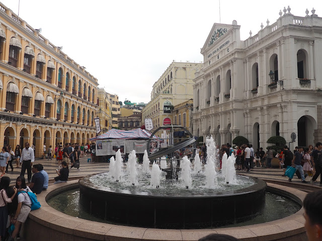 Senado Square fountain, Macau