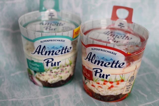 Almette Pur in den Sorten 'Paprika' & 'Schalotte-Paprika'