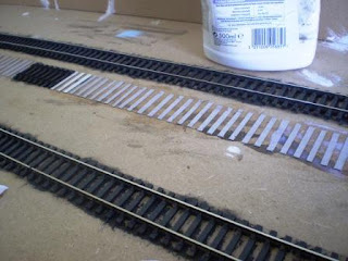 Modelling lifted railway track in OO scale