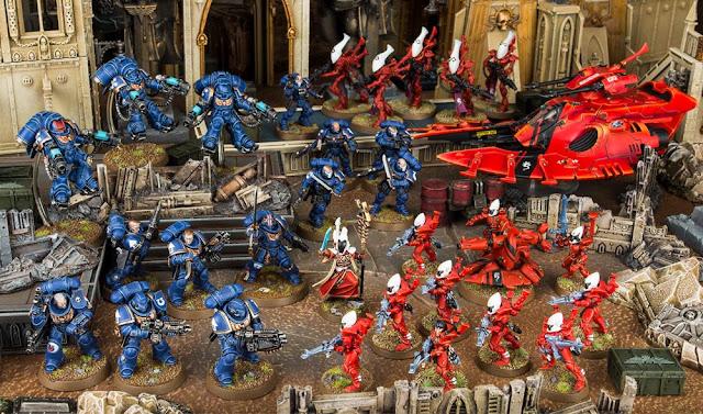 Warhammer 40,000 UItramarines Primaris vs Aeldari