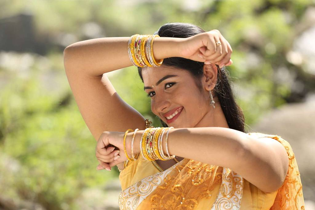 Madhurima Hd Wallpaper Actress Nalini In Hogenakkal Tamil Movie Stills Actress