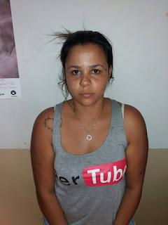 ROMU localiza cerca de 1,5 kg de drogas dentro de casa e detém uma traficante