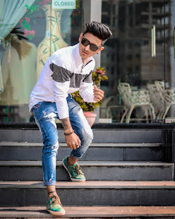 stair poses for instagram  staircase photoshoot  staircase photoshoot ideas  family photo poses on stairs  poses on stairs for boys  stairs photography ideas  photography stairs model  staircase photo gallery