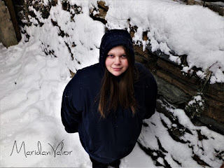 Photos interrupted by angry snowy mountain; Maridan Valor photo 1