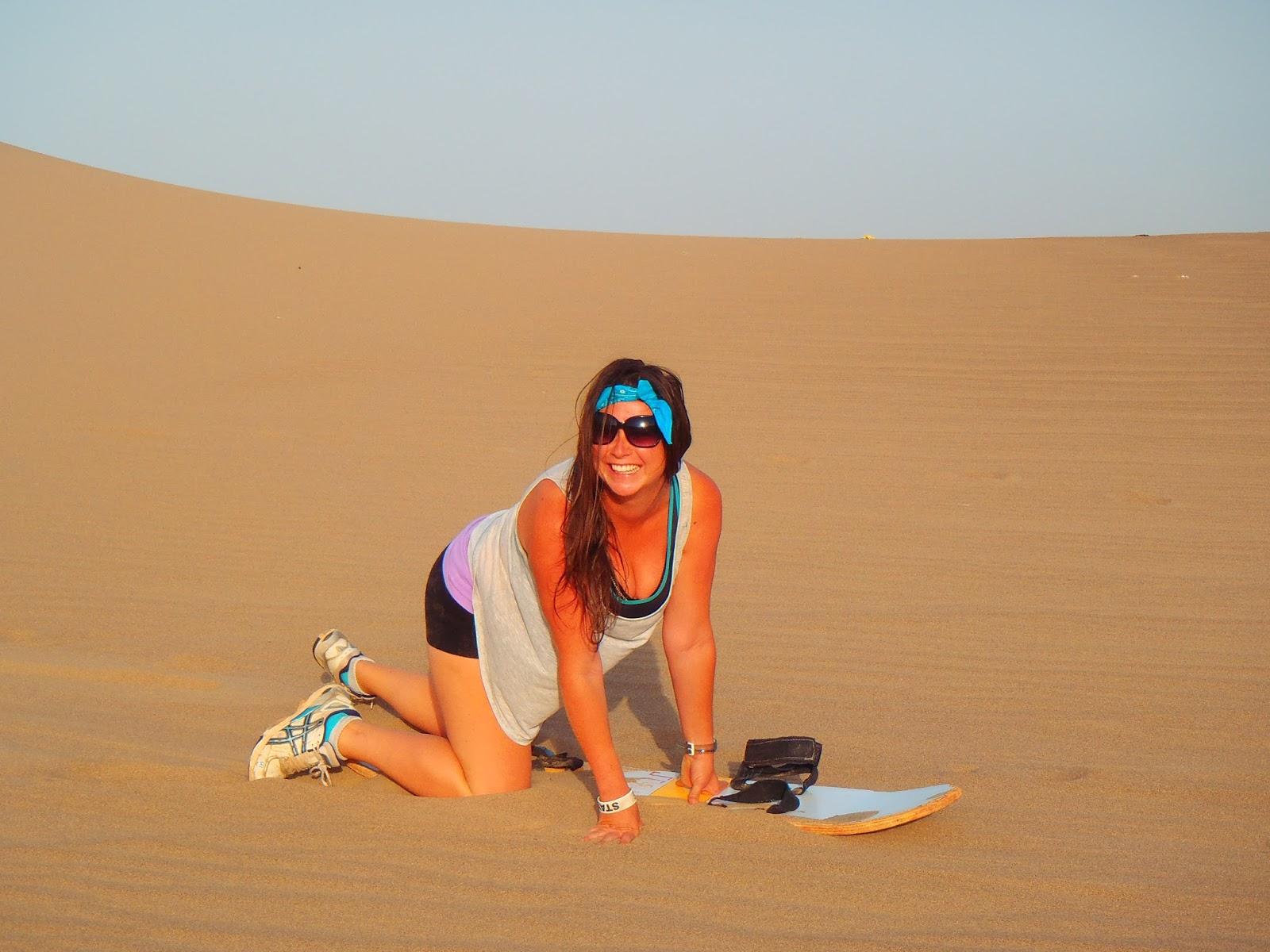 Simone sandboarding Peru