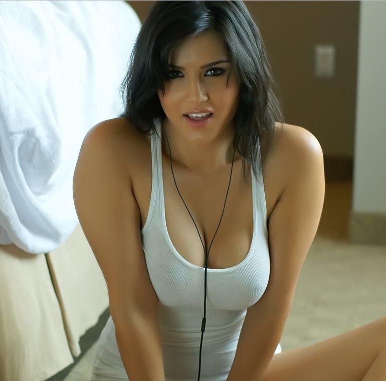 sexy boobs leone hot Sunny