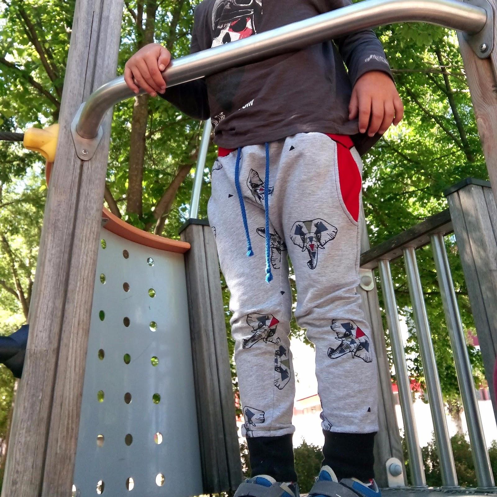 pantalón cagado niño