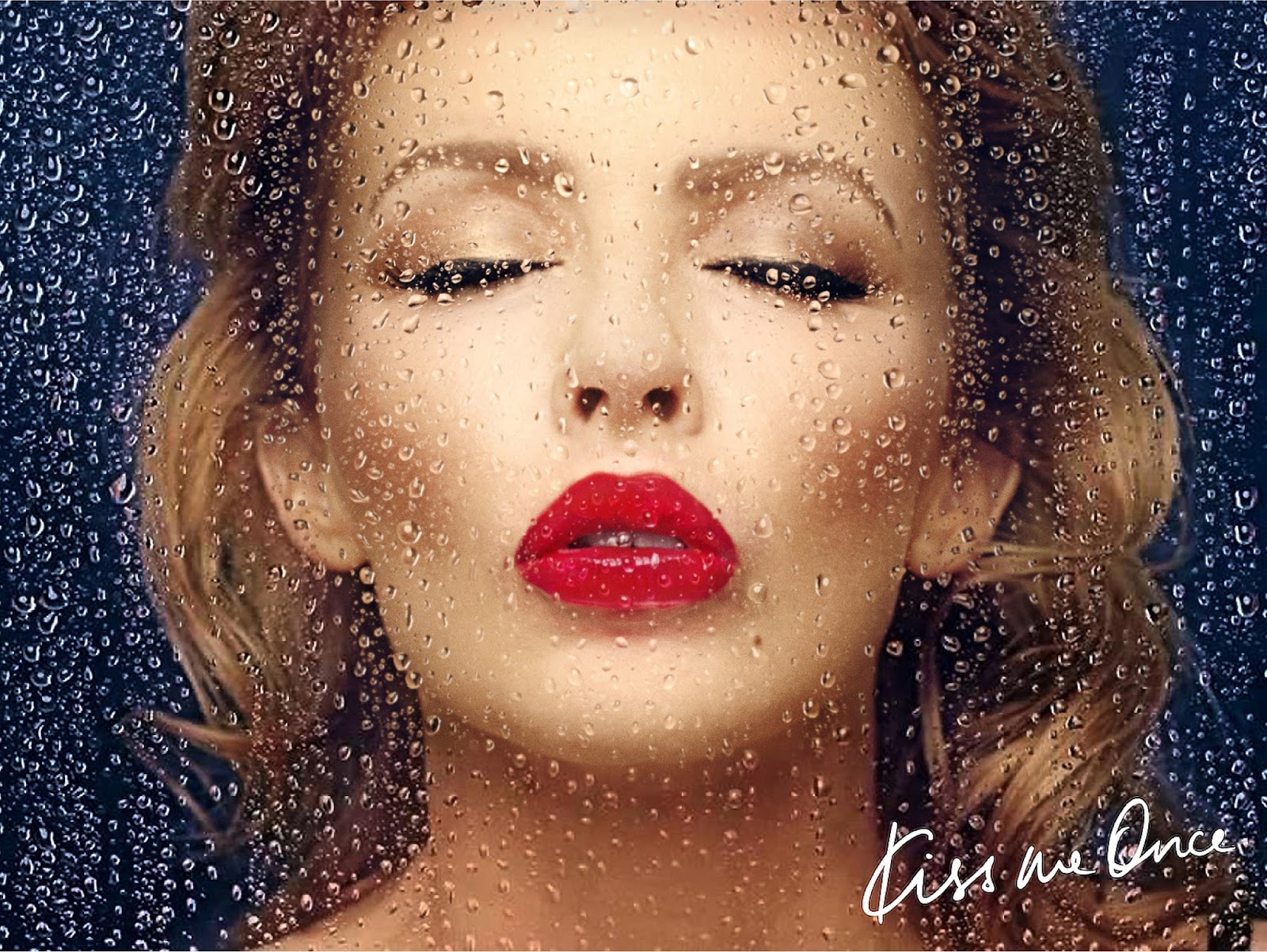 Digital_Booklet_-_Kiss_Me_Once_Adapted-p