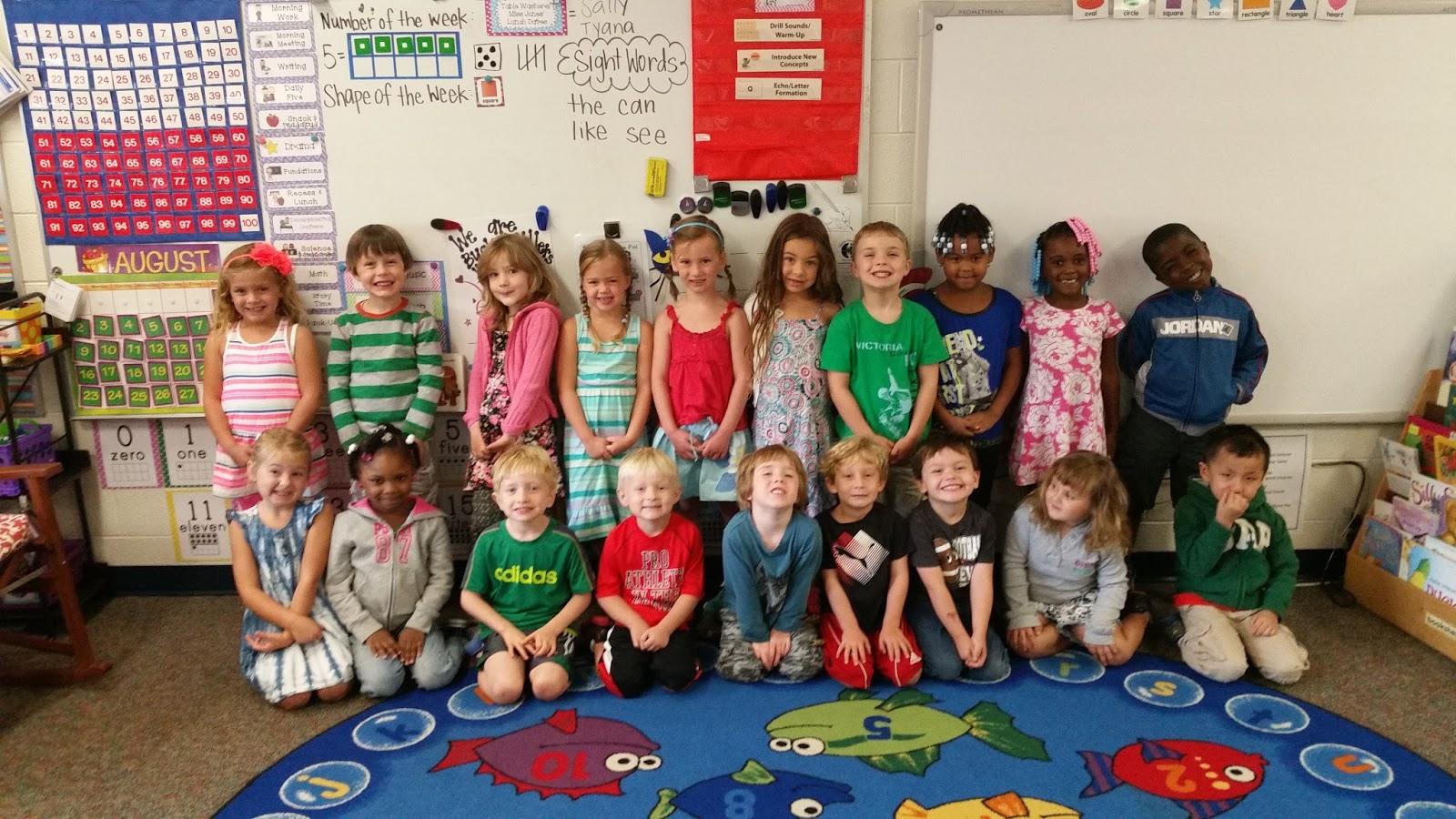 Kindergarten Classroom: Miss Jones' Kindergarten Class: Introducing Miss Jones